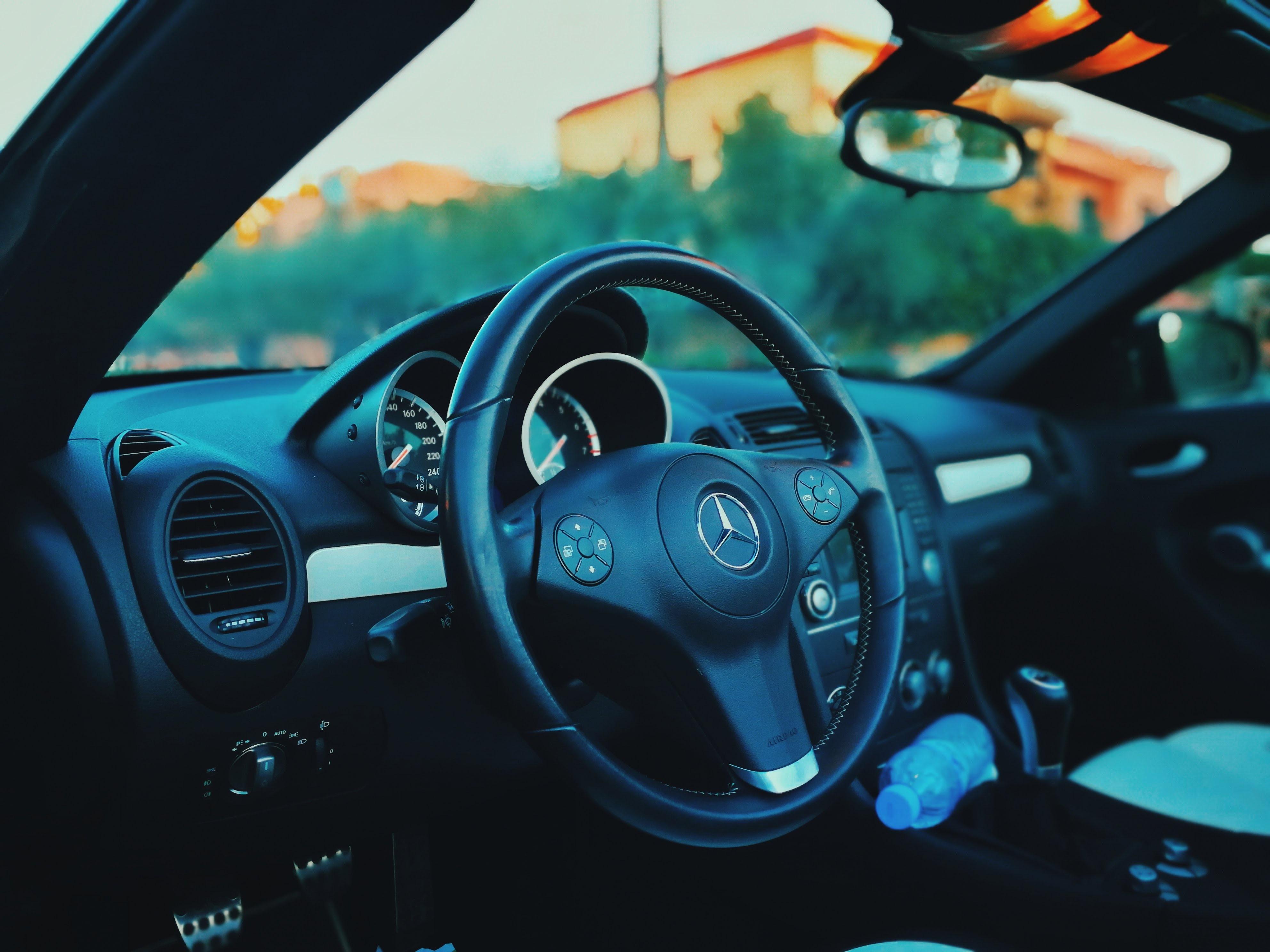Mercedes Sprinter varevogn der klarer opgaven