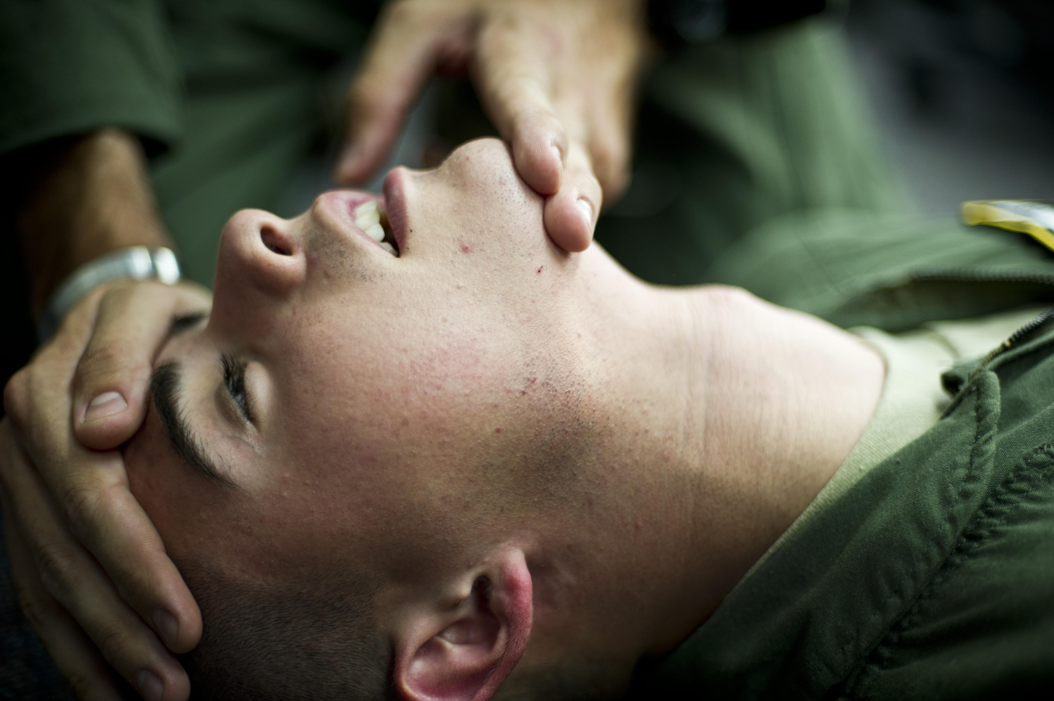 Fedtsugning på din hals kan hjælpe dig af med overskydende fedt