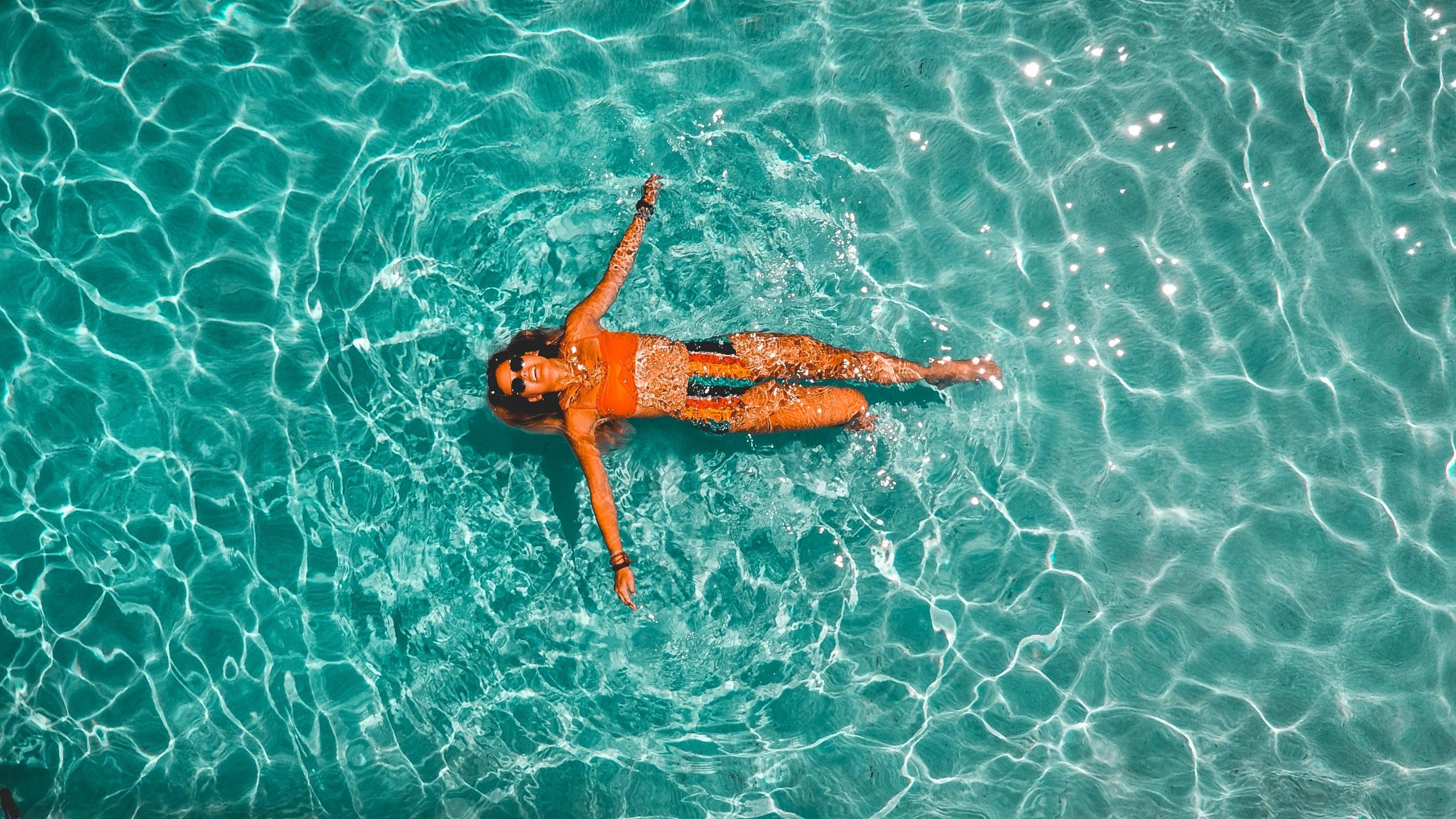 I dag her på bloggen skal vi tale om en fritstående pool. Det er sommer, vejret er dejligt og det er et perfekt tidspunkt at købe en pool på.
